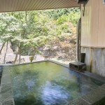 渓流の湯_露天風呂4 (800x532)